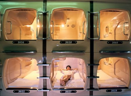 Dormire a Bangkok nei capsule hotel!