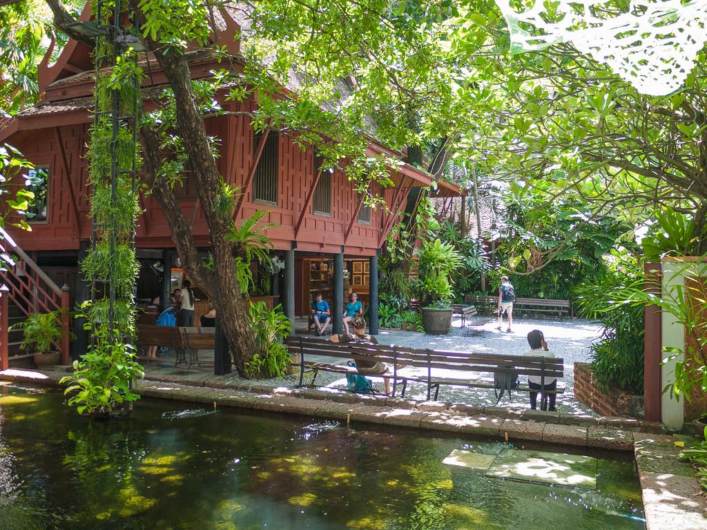 Bangkok alla scoperta della jim thompson house for Jim s dog house