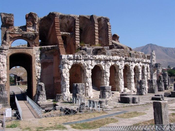 Anfiteatro di Capua Antica
