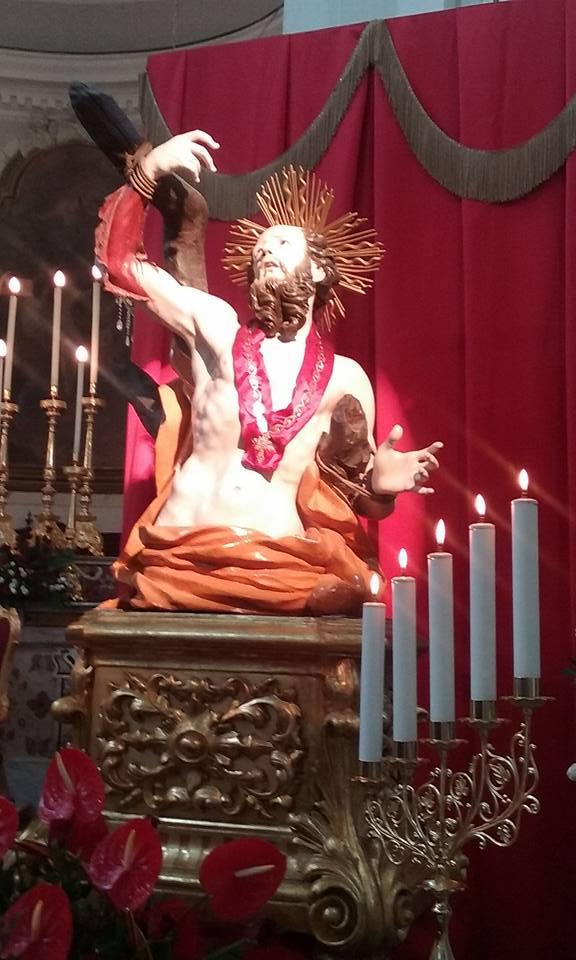 San Bartolomeo e la famosa collana (riproduzione)