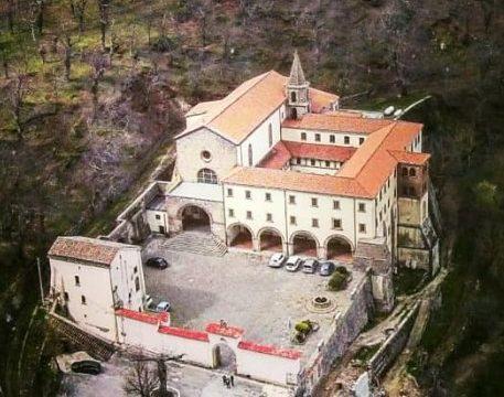 Il santuario di Santa Maria dei Lattani di Roccamonfina