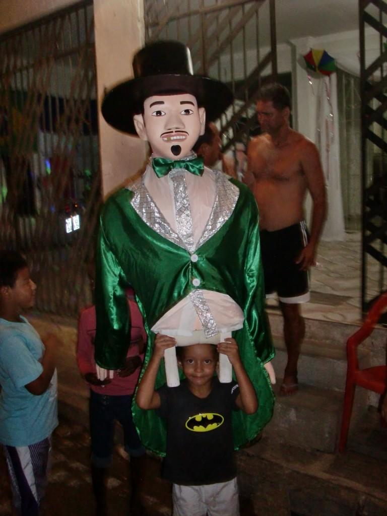 boneco realizzato da bambini