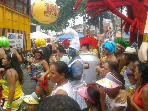 """Le """"Vergini"""" del Bairro Novo – l'incredibile Street Parade di Olinda nel Pre Carnevale"""