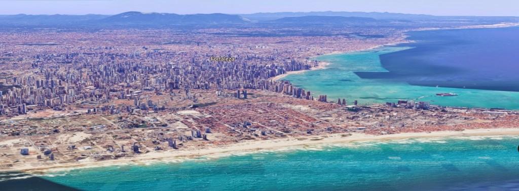 Vista della città dalla costa di Praia do futuro.