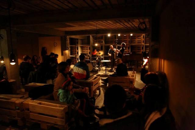 Una ventina di live music bars a bruxelles for Nomi di locali famosi