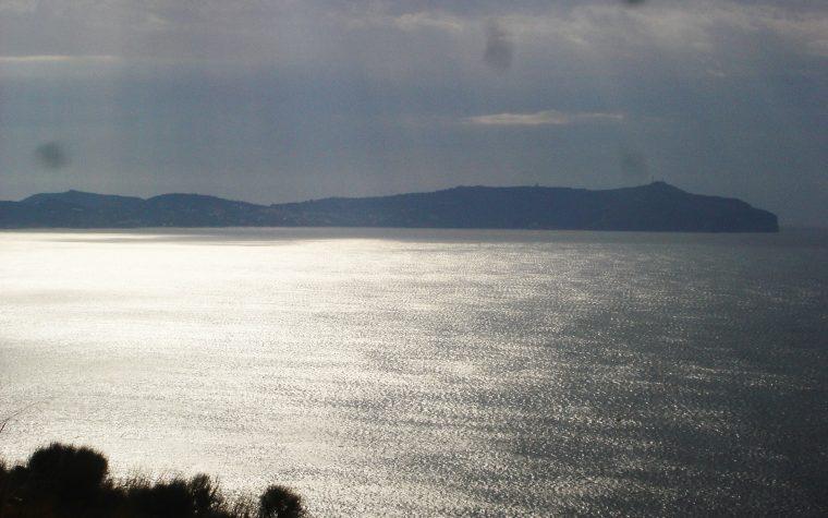Parmenide e il Munacieddo:filosofia e soprannaturale nel Cilento.