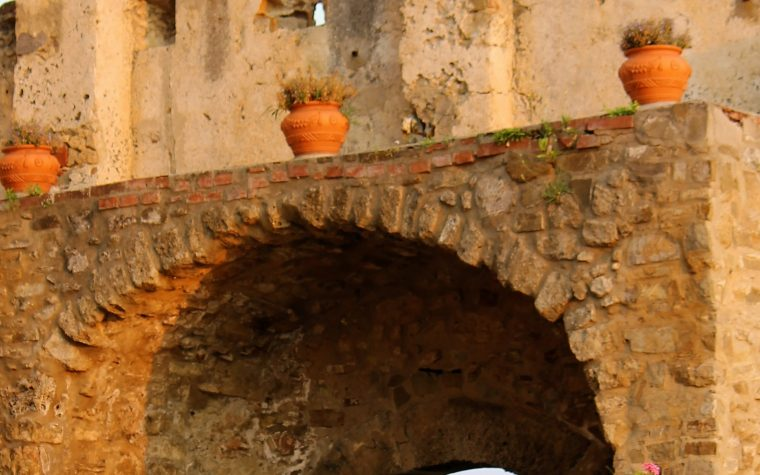 Il Cilento dal periodo angioino fino all'avvento degli Aragonesi.