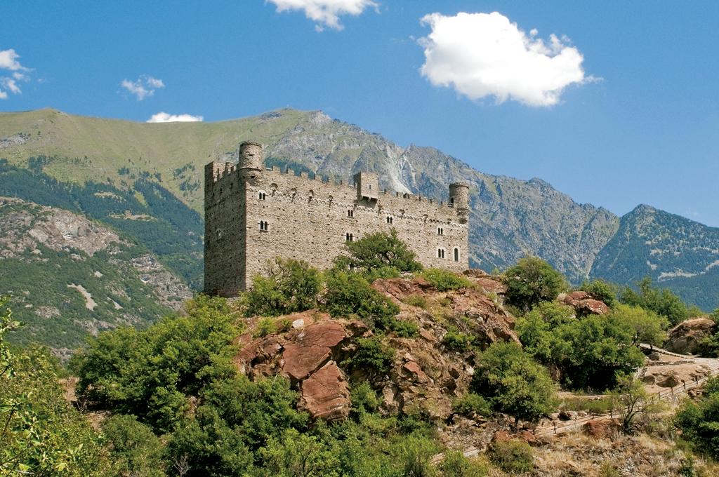 Castello_di_Ussel