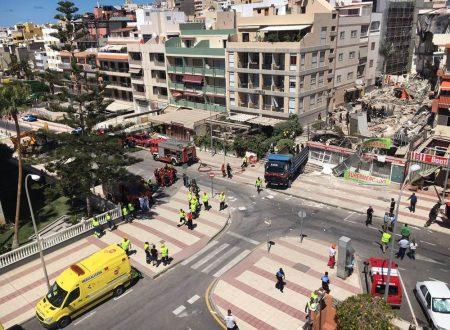 Crolla palazzo a Los Cristianos, 1 morto e 9 dispersi