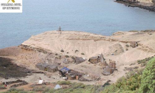 Nonostante le denunce gli hippie restano a La Caleta (Adeje)