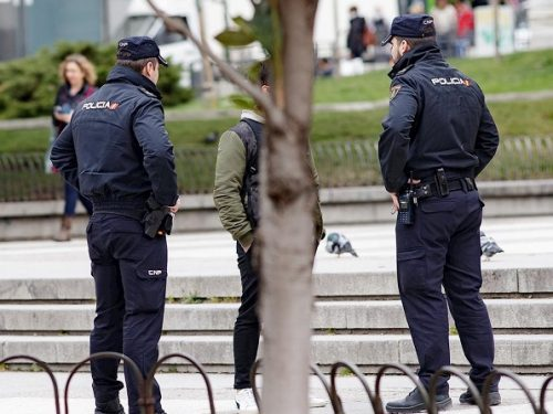 In Spagna chi non rispetta l'obbligo di stare in casa rischia una multa da 30.000€