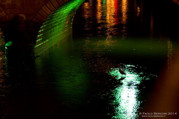 Sotto il ponte di notte (foto Paolo Bergomi)