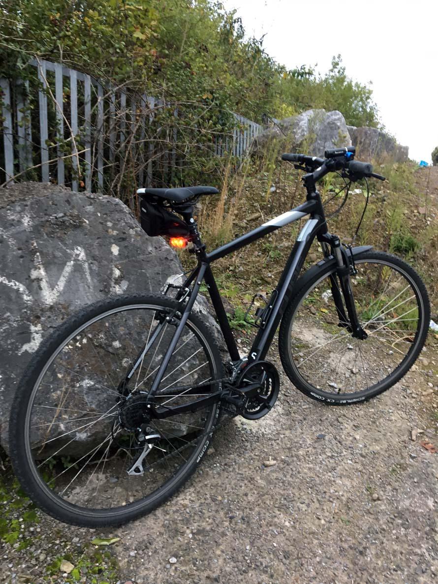 La mia bici che mi tiene compagnia durante le belle giornate senza pioggia