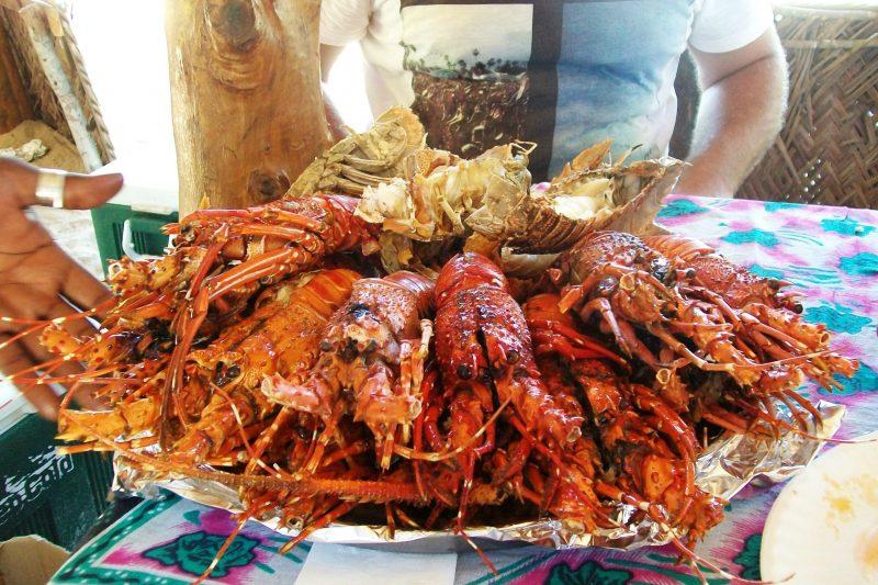 Mangiare il cibo locale è scoperta e viaggio nel viaggio