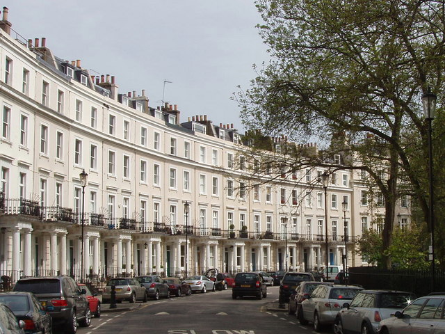 """""""Royal Crescent, Norland Estate, Kensington - geograph.org.uk - 788942"""" by David Hawgood. Licensed under CC BY-SA 2.0 via Wikimedia Commons."""