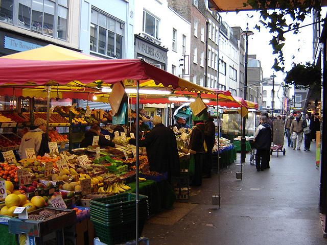 """Berwick street market 1"". Licensed under CC BY-SA 2.5 via Wikimedia Commons."