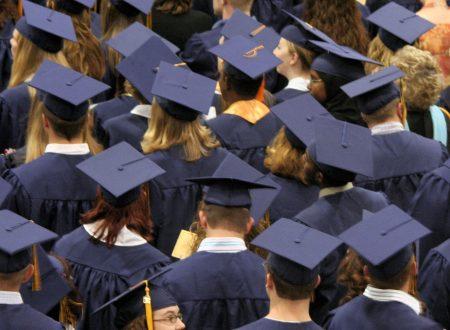 Università inglese: di esami, tesi e cerimonie di laurea