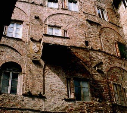 La corte del Pesce di Lucca