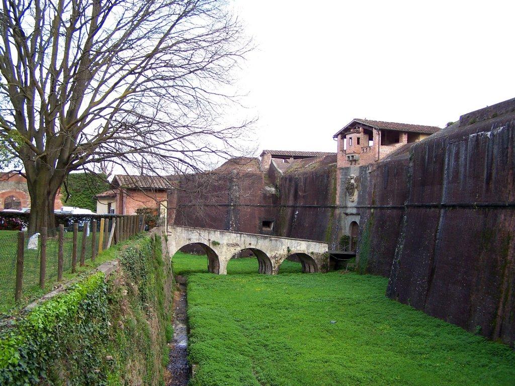 la fortezza santa barbara a pistoia un salto nel medioevo