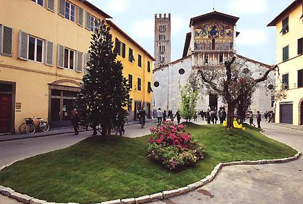 Città di Lucca, Basilica di San Frediano in occasione della Festa di Santa Zita Italia - Toscana - Lucca *** Local Caption *** Cittˆ di Lucca