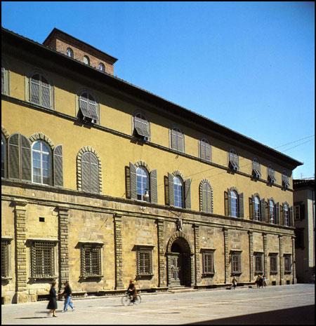 palazzo bernardini lucca