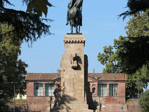 Il Monumento Equestre a Porta San Pietro e il suo significato
