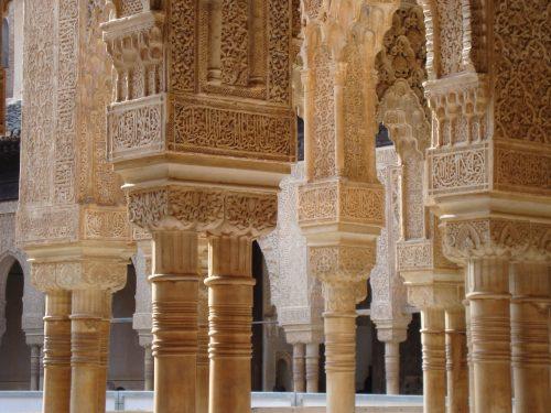 Le perle dell'Andalusia: L'Alhambra di Granada e la Mezquita di Cordoba