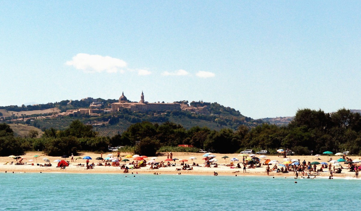 Loreto e la sua Basilica viste dalla Riviera del Conero 1200
