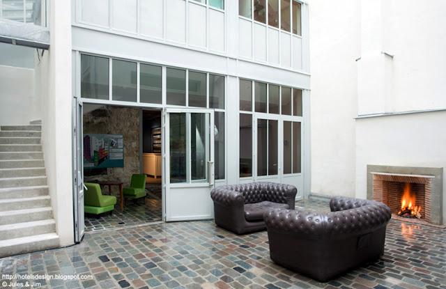 i migliori bar e ristoranti parigini con caminetto. Black Bedroom Furniture Sets. Home Design Ideas