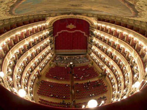 "Weekend a Napoli + opera lirica ""Carmen"" 100€ all inclusive"