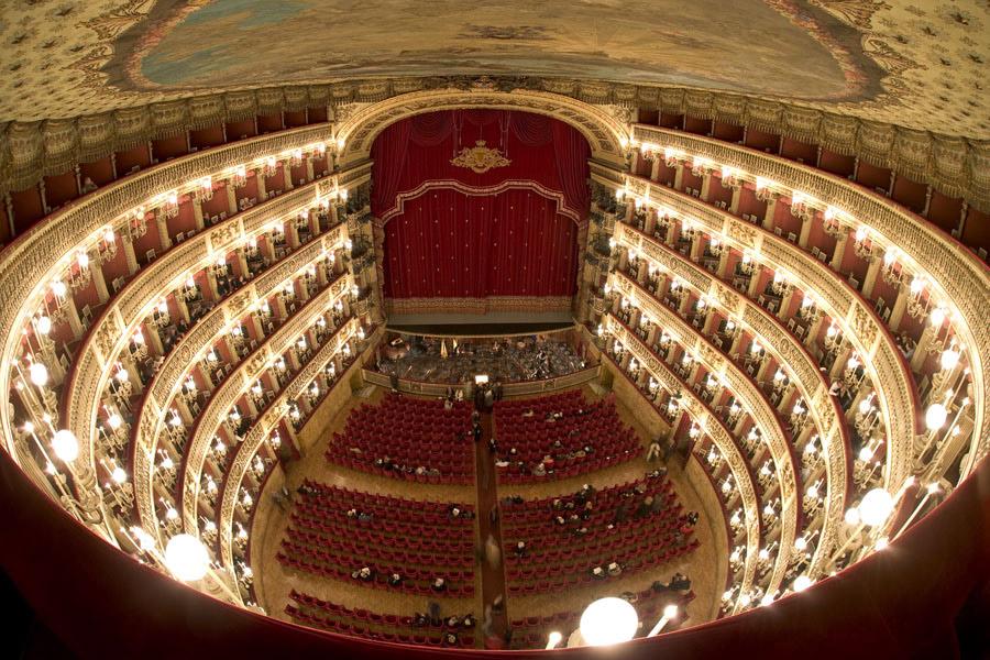 teatro_san_carlo_di_napoli_dallalto