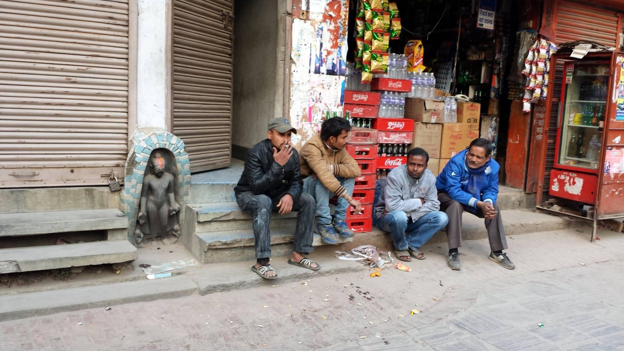 Kathmandu, statua del Buddah in strada