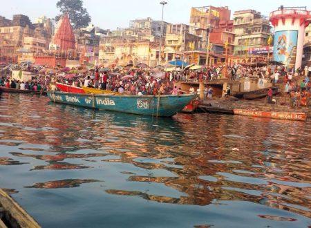 Varanasi: l'alba sul Gange