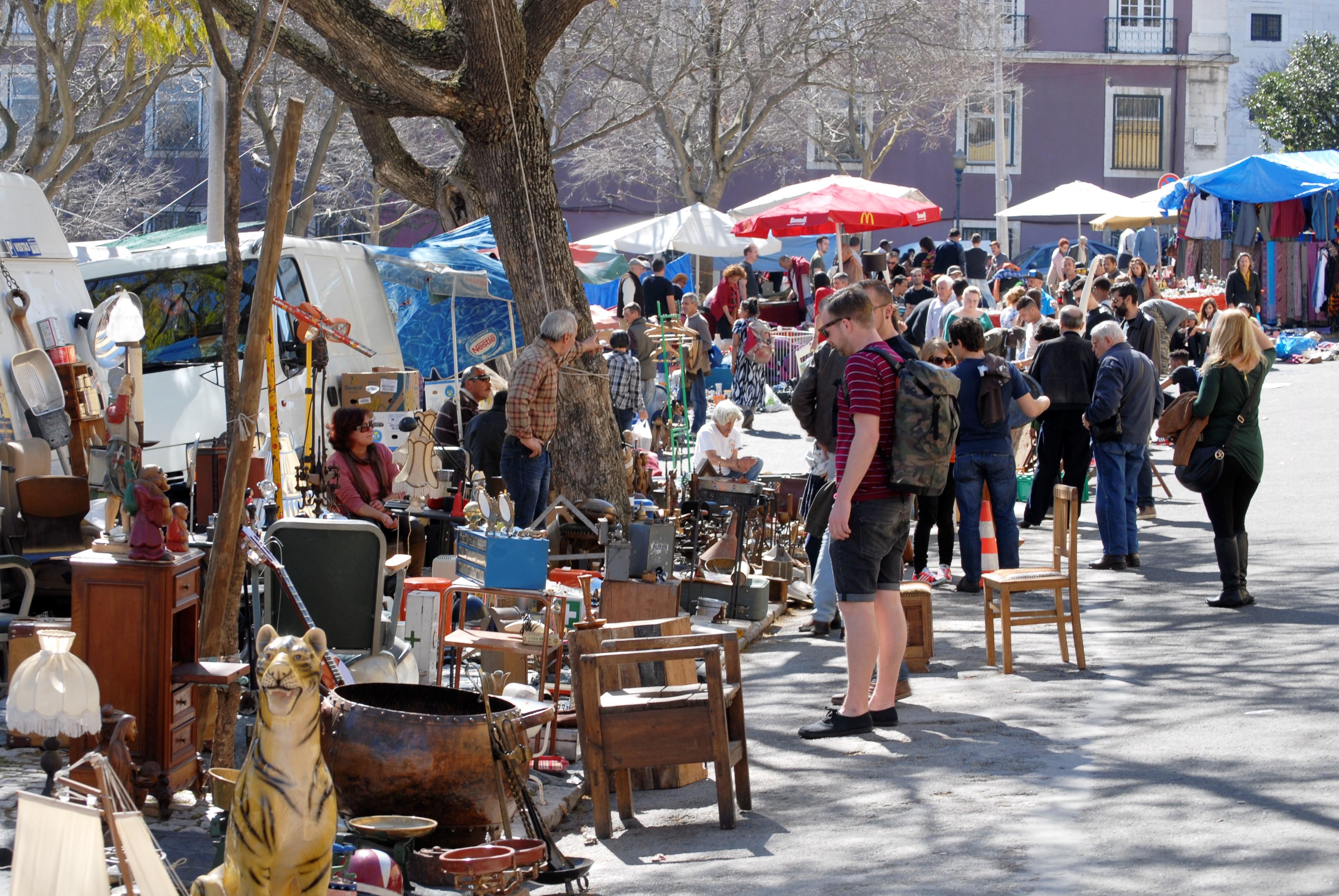 mercato feira ladra lisbona
