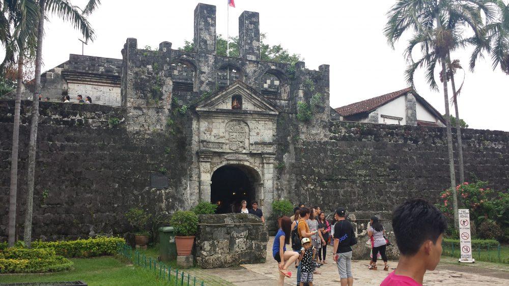 monumento antico su cosa vedere a cebu city nelle filippine