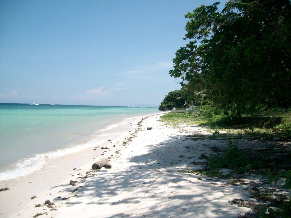 una spiaggia di alona nascosta in cosa vedere e dove andare nelle filippine