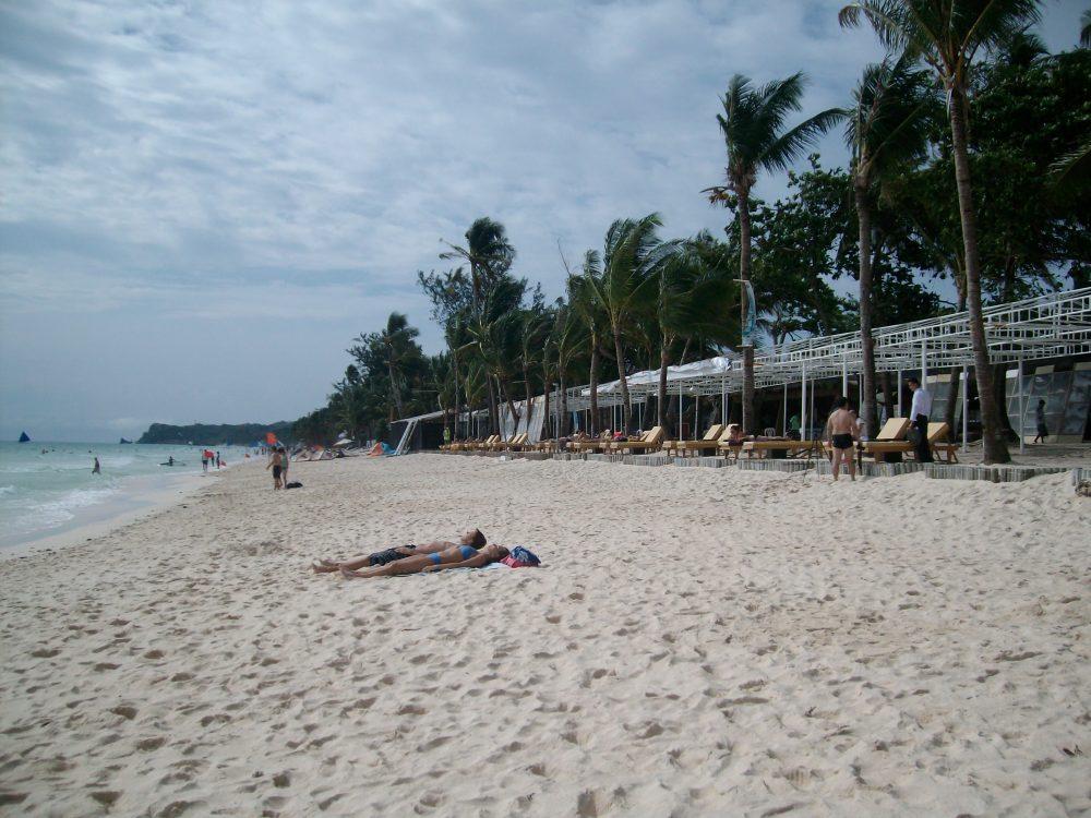 la famosa white beach di boracay in cosa vedere e dove andare nelle filippine