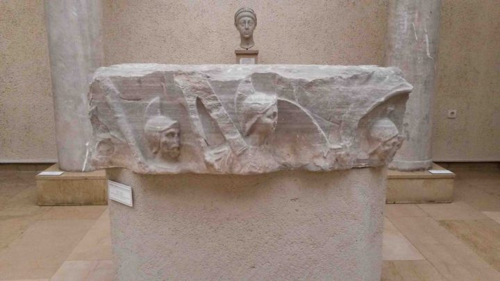 colonnateodosioarcheo01