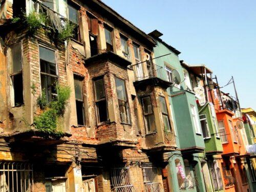 Il degrado di Istanbul e il pittoresco degli italiani