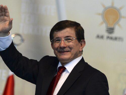Ahmet Davutoğlu e le consultazioni turche