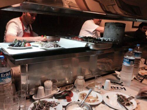 I ristoranti di Istanbul, l'ocakbaşı Kirvem