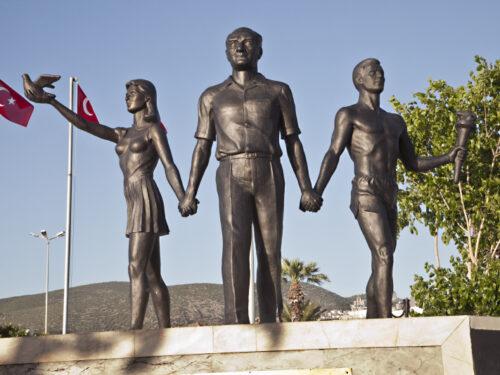 I monumenti ad Atatürk in Turchia
