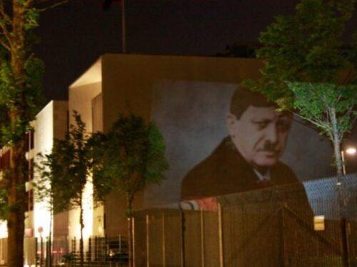 Erdoğan è Hitler