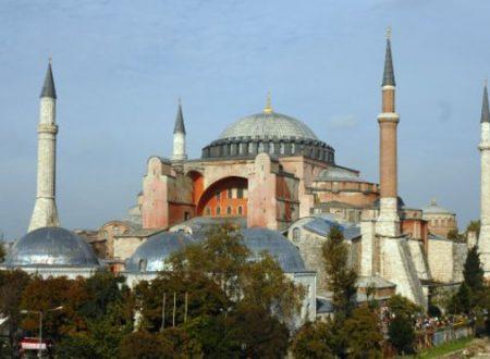 I muezzin e i minareti di Ayasofya