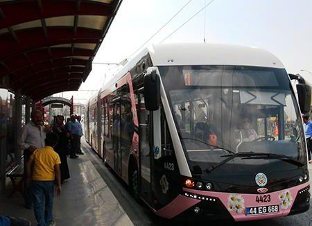 Gli autobus rosa e l'islamizzazione della Turchia