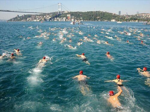 Nuotare nel Bosforo
