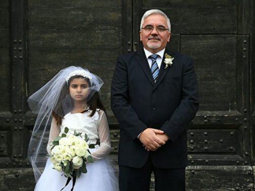 Musulmano di 35 anni sposa bambina di 9