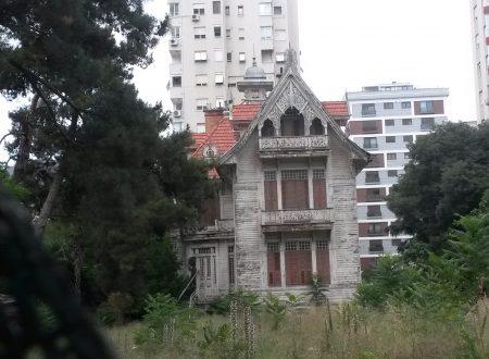 Vecchie e inaspettate case di Istanbul