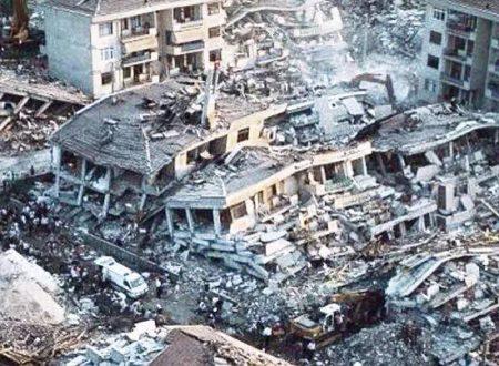 Terremoto e 30.000 morti a Istanbul