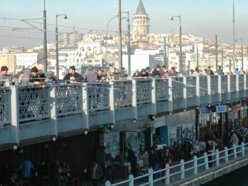 Il ministro Toninelli e il ponte di Galata